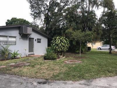 Dania Beach Multi Family Home For Sale: 4021 SW 54th Ct