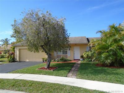 Boca Raton Single Family Home For Sale: 9730 Colorado