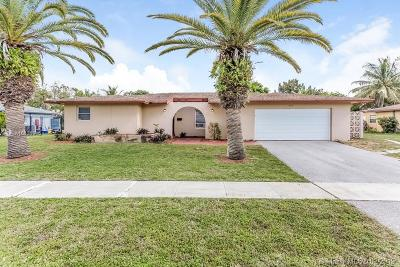 Royal Palm Beach Single Family Home For Sale: 862 Lilac Dr