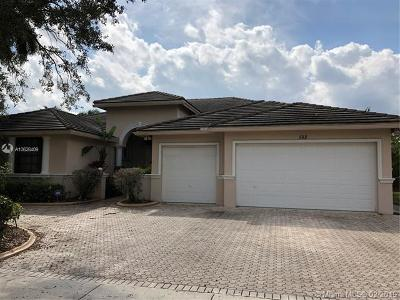 Pembroke Pines Single Family Home For Sale: 582 SW 159th Dr