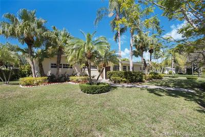 Pinecrest Single Family Home For Sale: 13510 SW 73 Ct