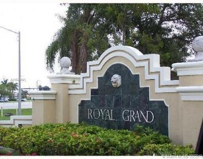 Davie Condo For Sale: 2620 S University Dr #211