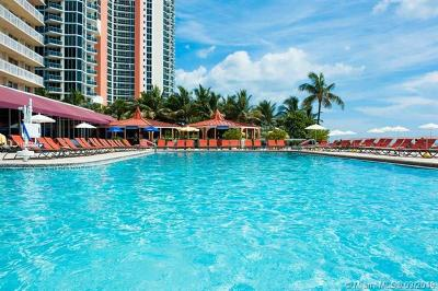 Sunny Isles Beach Condo For Sale: 19201 Collins Ave #527