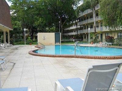Dania Beach Condo For Sale: 500 NE 2nd St #306