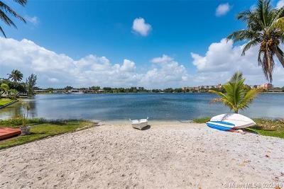 North Miami Beach Single Family Home For Sale: 1990 NE 191st Dr