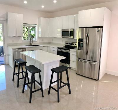 North Miami Beach Single Family Home Active With Contract: 17631 NE 2nd Ct