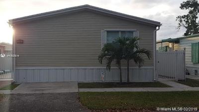 Pembroke Pines Single Family Home For Sale: 550 NW 214th Ave