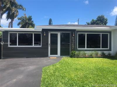 Hollywood Single Family Home For Sale: 1747 N 16th Ct