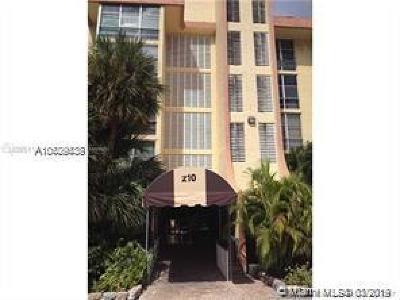 Sunny Isles Beach Condo For Sale: 210 172nd St #133