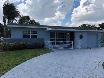 Miramar Single Family Home For Sale: 1820 Island Dr