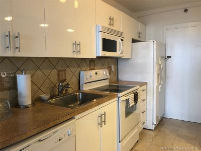 Decoplaage, Decoplage, Decoplage Condo, Decoplage Condominium, The Deco Plage Condo, The Decoplage, The Decoplage Condo, The Decoplage Condominium Rental For Rent: 100 Lincoln Rd #820