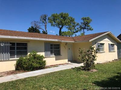 Delray Beach Single Family Home For Sale: 5373 Pinetree Drive