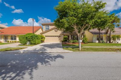 Boca Raton Single Family Home Active With Contract: 18228 Clear Brook Cir