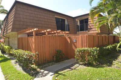 Davie Condo Active With Contract: 9153 SW 23rd St #c