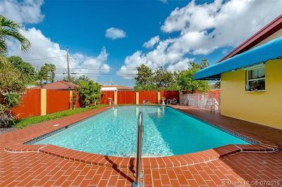 Hialeah Single Family Home For Sale: 649 E 31st St