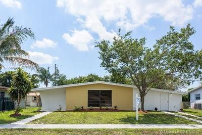 Miami Gardens Single Family Home For Sale: 290 NW 186th St