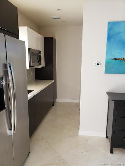 Landmark, Landmark At Doral, Landmark At Doral Condo, Landmark Condo, Landmark Doral, Landmark/Doral Rental For Rent: 6428 NW 105th Pl #6428