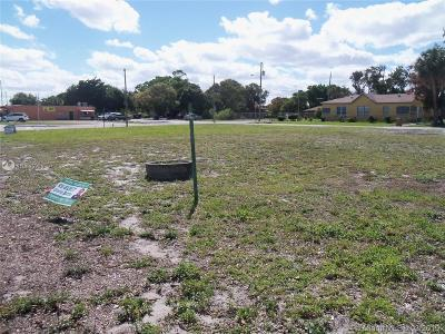 Deerfield Beach Single Family Home For Sale: 237 S Dixie Hwy