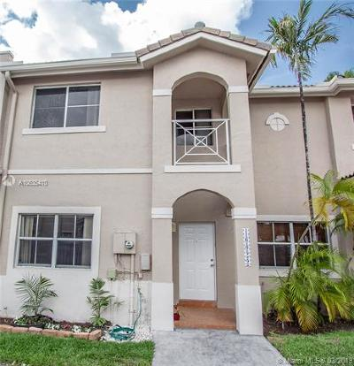 Miami Lakes Condo For Sale: 16622 NW 71 Av