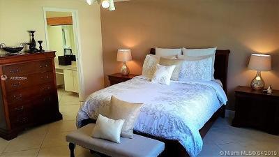 Davie Single Family Home For Sale: 14661 Highland Springs Ct