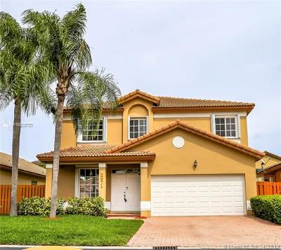 Doral Single Family Home For Sale: 2971 NW 98th Pl