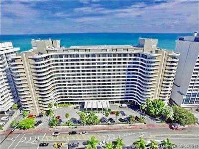 Oceanside Plaza, Oceanside Plaza Condo Condo For Sale: 5555 Collins Ave #5P