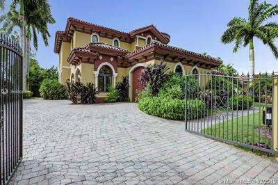 Doral Single Family Home For Sale: 9938 NW 27th St