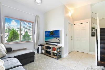 Hialeah Condo For Sale: 7461 NW 181 St