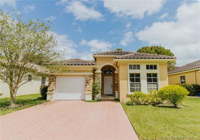 Miramar Single Family Home For Sale: 5061 SW 136th Ter