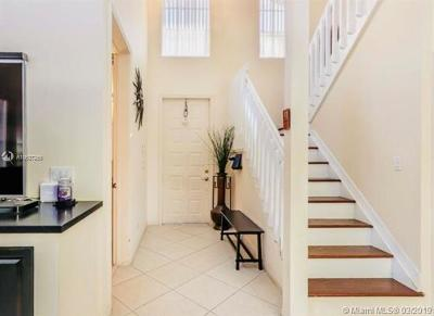 Hollywood Single Family Home For Sale: 1251 Johnson Ct
