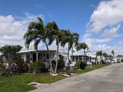 Hallandale Single Family Home For Sale: 2407 Joyce Lane