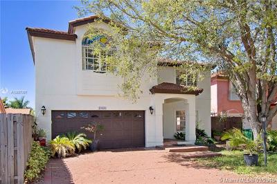 Hialeah Single Family Home For Sale: 19838 NW 85th Ave