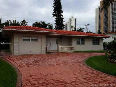 Sunny Isles Beach Single Family Home For Sale: 215 187th St