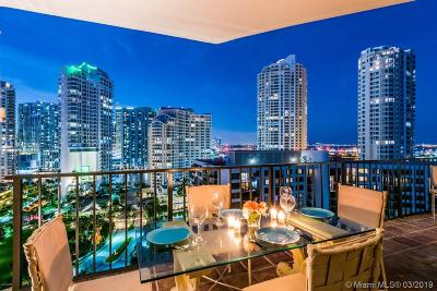 Condo Active With Contract: 520 Brickell Key Dr #APH00