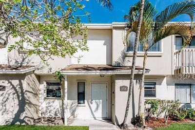Palm Beach County Single Family Home For Sale: 4706 Pier Dr