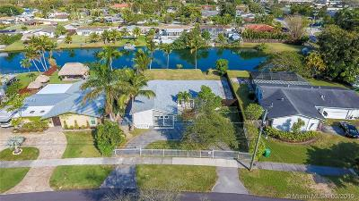 Cutler Bay Single Family Home For Sale: 9711 Bel Aire