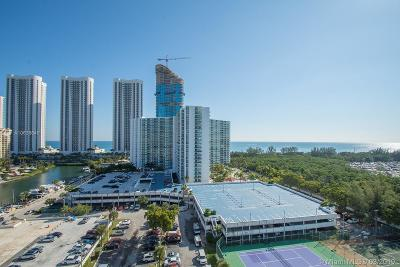 Sunny Isles Beach Condo For Sale: 300 Bayview Dr #1415