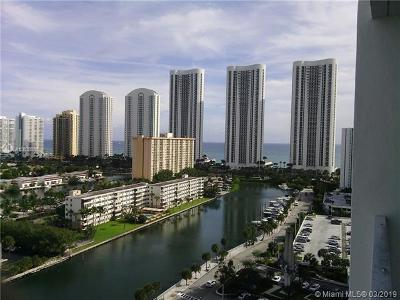 Sunny Isles Beach Condo For Sale: 500 Bayview Dr #1725