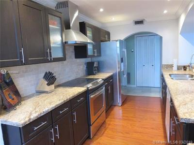Hollywood Condo For Sale: 4350 Hillcrest Dr #919