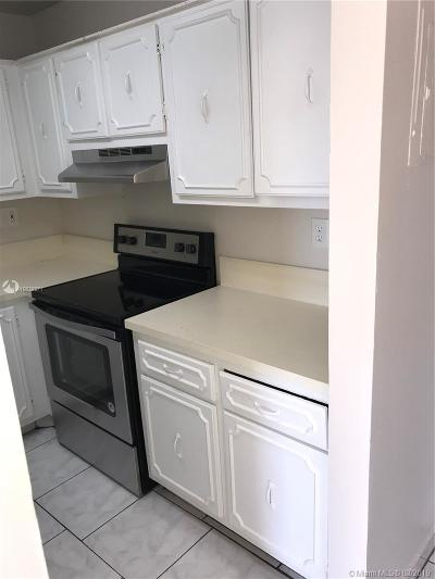 Pompano Beach Condo Active With Contract: 207 NW 32nd Ct #210