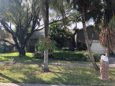Miami Single Family Home For Sale: 13934 SW 107th Ter
