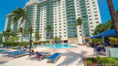 Sunny Isles Beach Condo For Sale: 19390 Collins Ave #526
