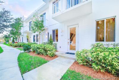 Miami Condo Active With Contract: 2610 NE 213th St #109