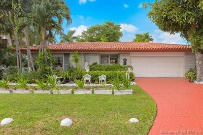 Miami Shores Single Family Home For Sale: 9250 N Bayshore Dr