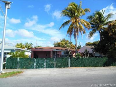 Dania Beach Single Family Home For Sale: 258 SW 8th St