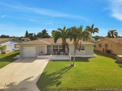 Tamarac Single Family Home For Sale: 4702 NW 47th Ter
