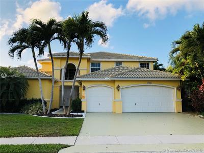 Pembroke Pines Single Family Home For Sale: 15981 SW 4th St