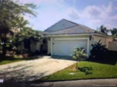 Pembroke Pines Single Family Home For Sale: 280 NW 166th Ave