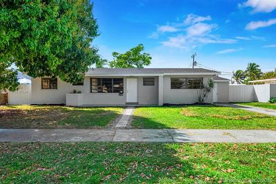 Single Family Home For Sale: 9820 SW 163rd St
