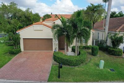 Pembroke Pines Single Family Home For Sale: 1647 SW 157th Ave